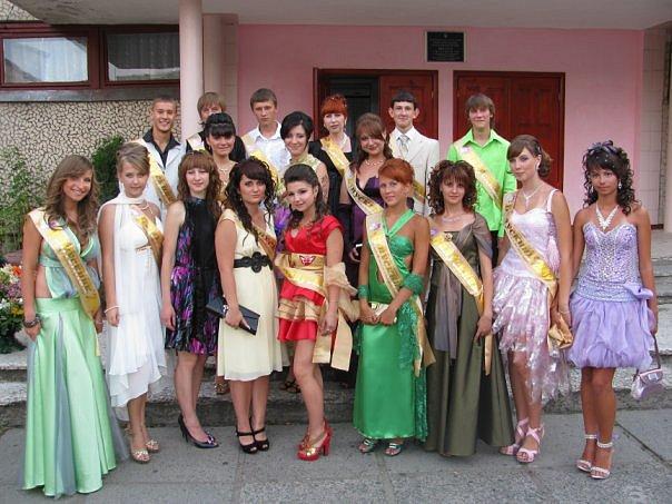 Платья на выпускной в школе 9 класс