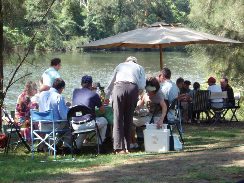 пикник у реки