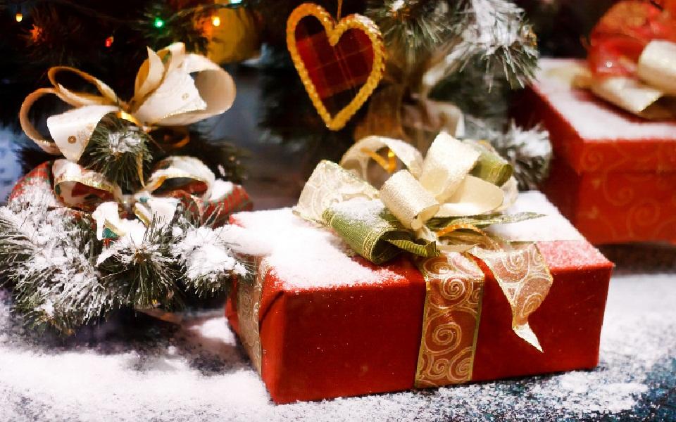 Что подарить для нового года