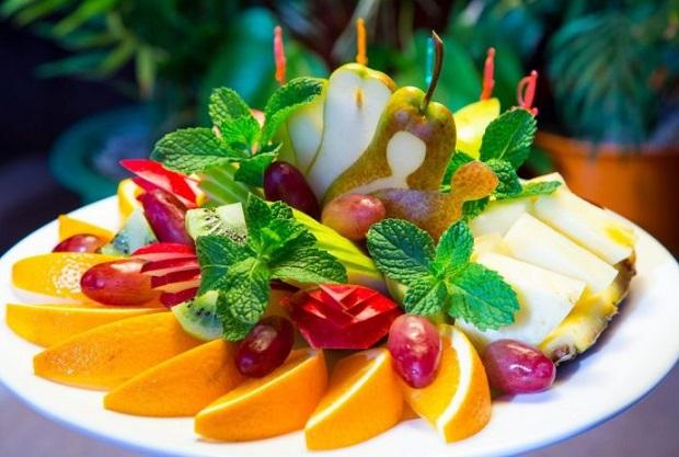 Нарезка фруктов на праздничный стол в домашних условиях
