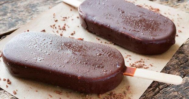 Молочное эскимо в шоколадной глазури