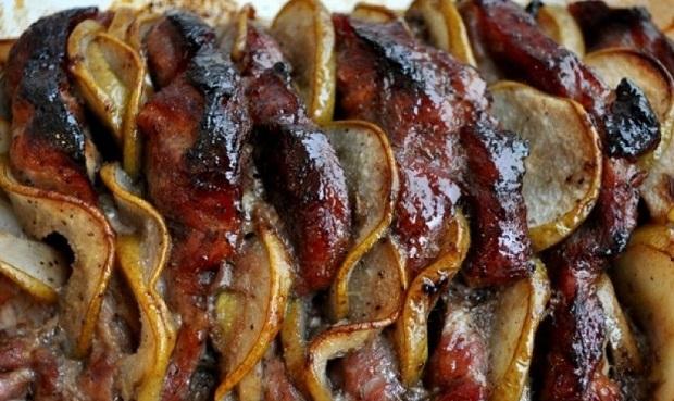 Мясо с грушами и медом