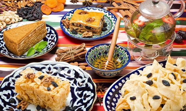 Сервировка в ресторане восточной кухни