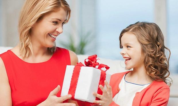 Подарок родственницам от ребенка