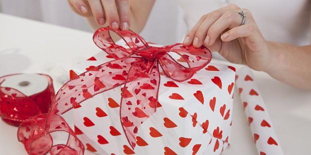 Как выбрать подарок любимому