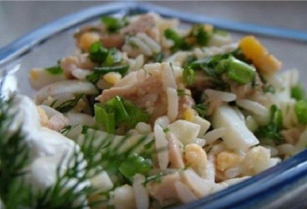 Салат рисовый с печенью