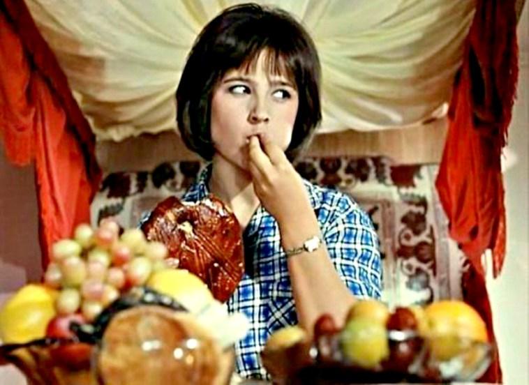 Пищевое поведение за праздничным столом